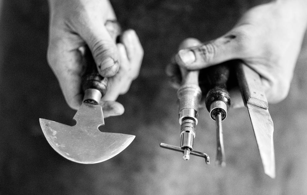 DE BRUIR tools (image by Peter Rowen)