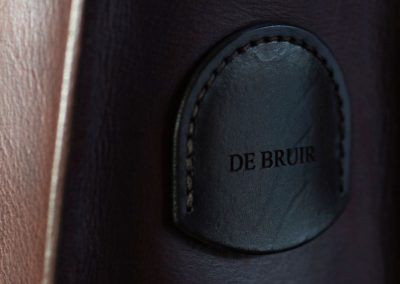 DE BRUIR leather detail