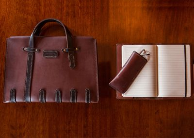 DE-BRUIR-Leather-Laptop-Carrier-9