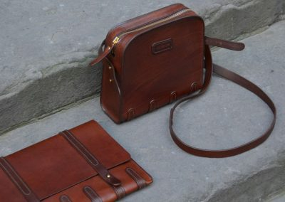 DE-BRUIR-Leather-Shoulder-Bag-1